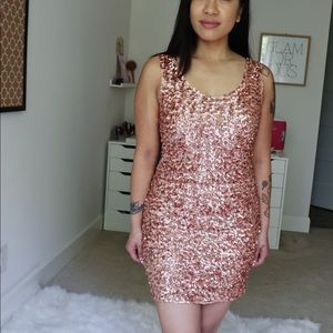 tea n rose Dresses - Tea N Rose Gold Sequin Cocktail Dress